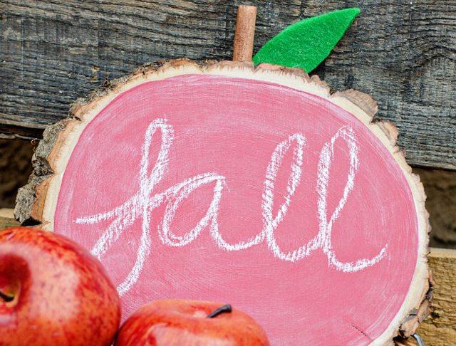 DIY Apple Chalkboard