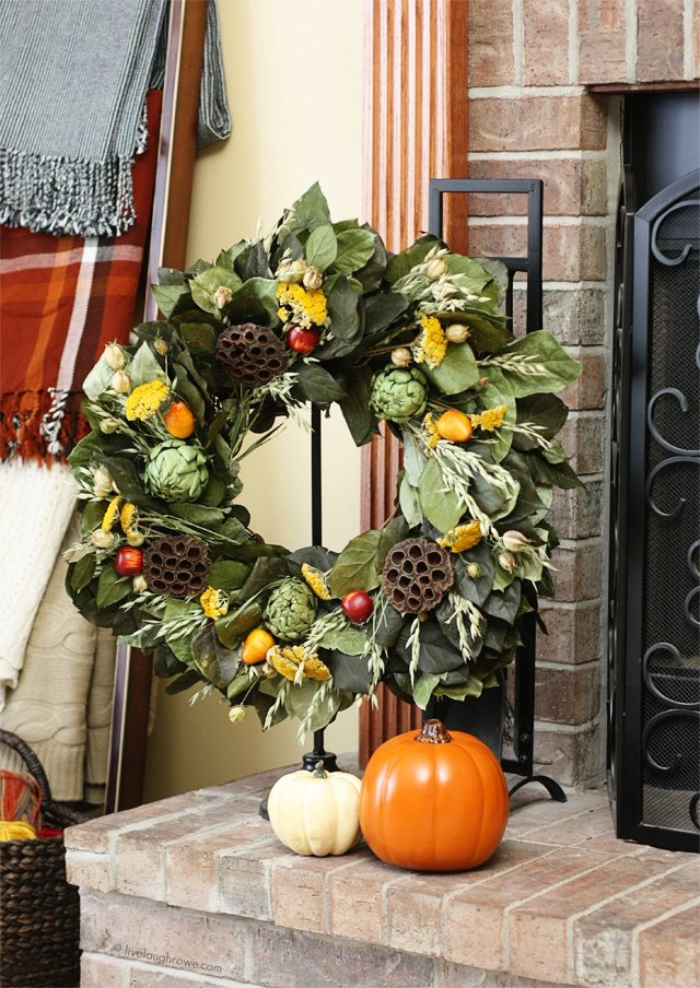Sharing some of my fall decor to inspire! I love using a lot of natural elements. How about you? livelaughrowe.com #fallhometour #falldecor
