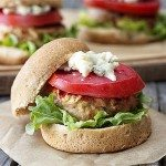 Delicious Buffalo Chicken Sliders that are weight watchers friendly! Buffalo wing sauce and blue cheese give them a perfect punch of flavor. www.livelaughrowe.com