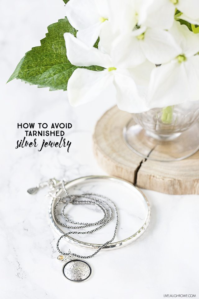 I've found a great trick to avoid tarnished silver jewelry, friends! Cleaning silver can be tedious, so avoid tarnished silver jewelry all together. Check out this great tip at livelaughrowe.com