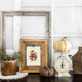 Add a little festive charm to your fall decor with this oak acorns and leaves printable. livelaughrowe.com