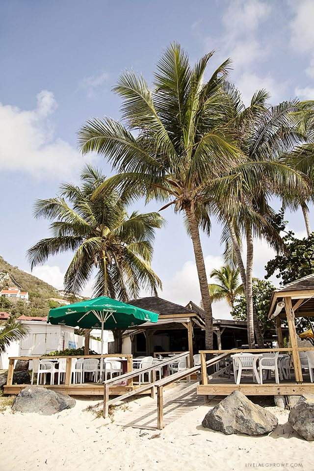 Planning some travel to St. Maarten? Here are some great recommendations on things to do and places to eat. livelaughrowe.com