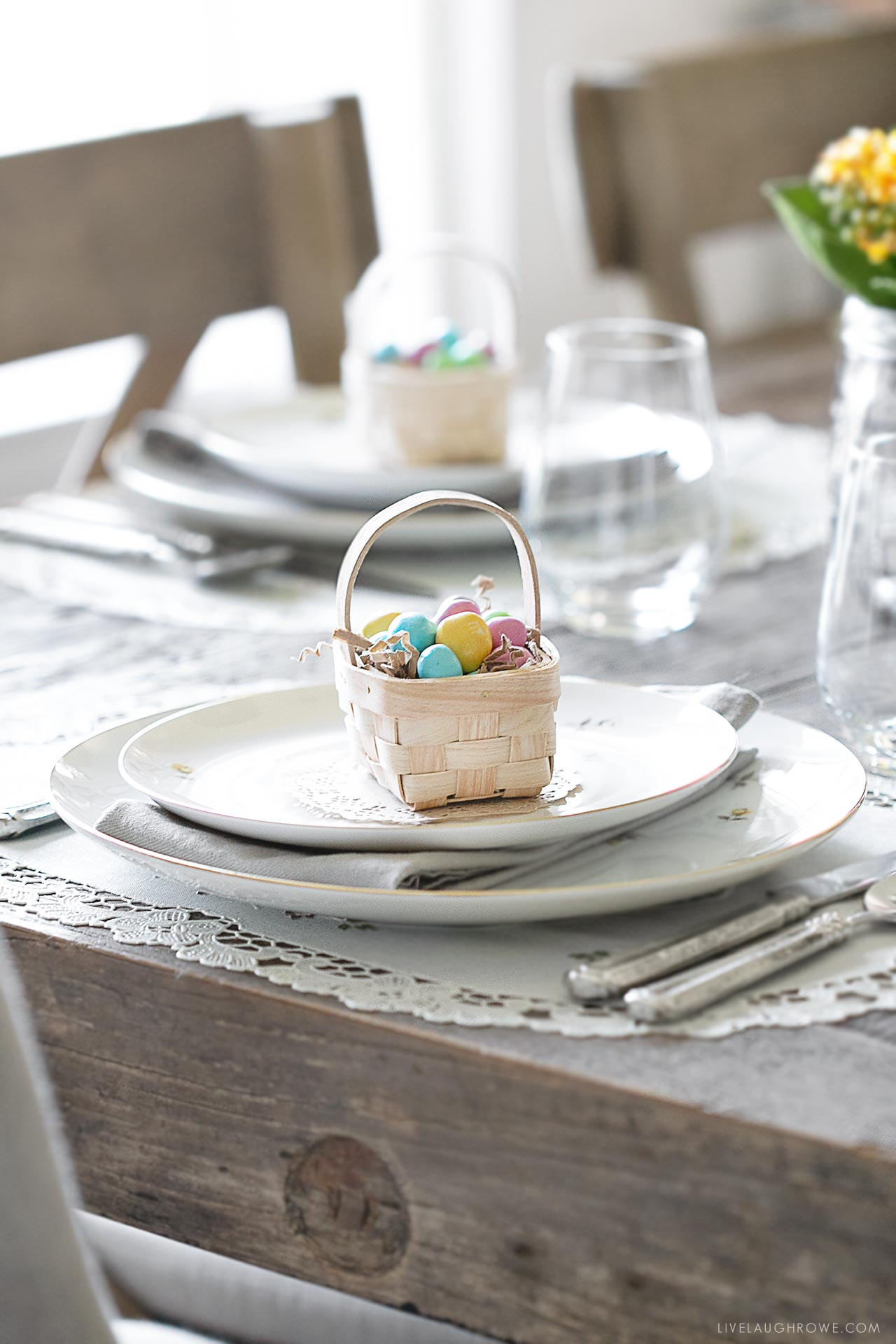 Easter Sunday Tablescape