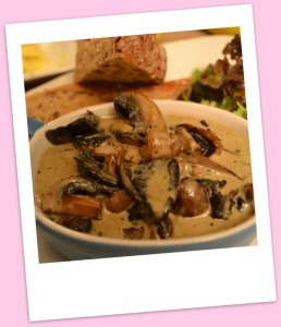 Pan fried mushrooms with Stilton sauce & rustic toast
