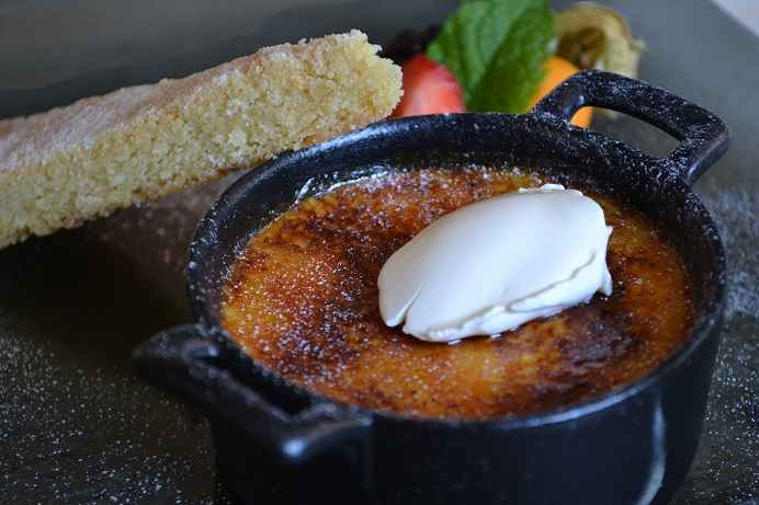 Ye Olde George Inn, East Meon, Petersfield, creme brulee, sticky toffee pudding, pork belly, River Meon