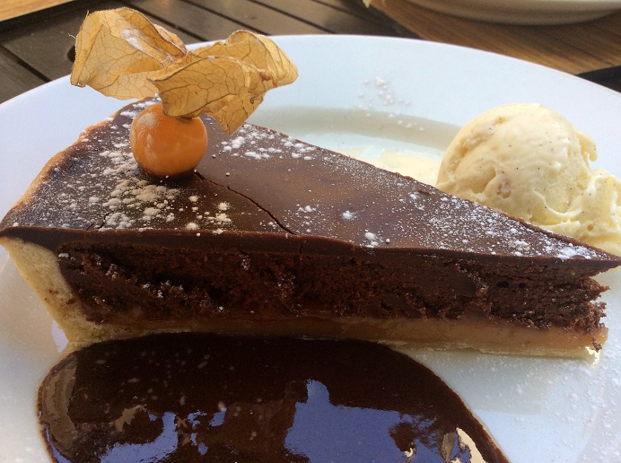 chocolate & salted caramel tart, The Bay Tree, Arundel, Tarrant Street, West Sussex, Arundel Castle, sweet chilli beef wrap, apple & rhubarb crumble,