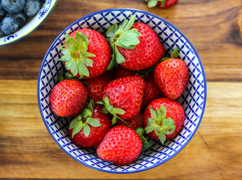 strawberries for low sugar smoothie