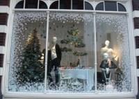 Best Christmas Windows | LiveLoveDecorate