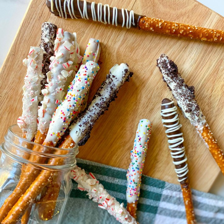 Chocolate-Dipped Pretzels