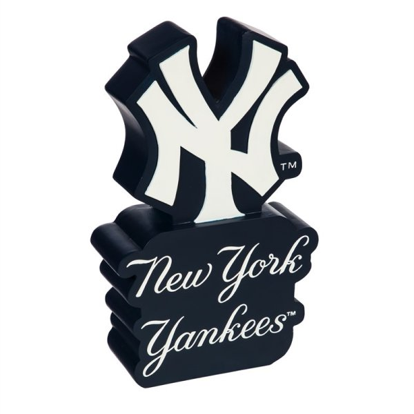 New York Yankees, Mascot Statue