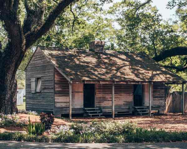 A rebuilt slave cabin at Oak Alley Plantation in New Orleans