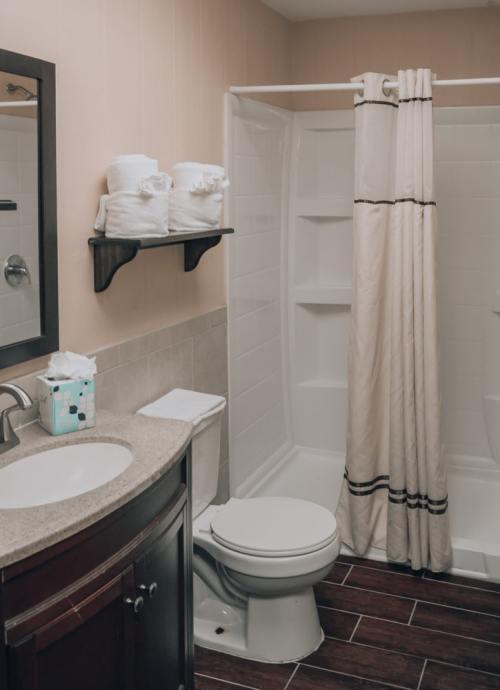 Glamping bathrooms at Westgate River Ranch