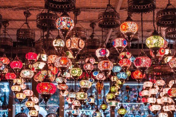 Cappadocia's lamp shops are beautiful, especially at night. Click for a guide to Cappadocia's must see locations and most Instagramable places.