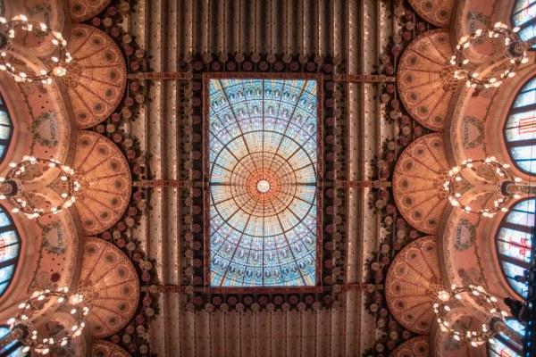 在巴塞罗那的皇家教堂的一座摩加迪塔。设计设计的设计和设计的设计,设计,设计的原始的结构。