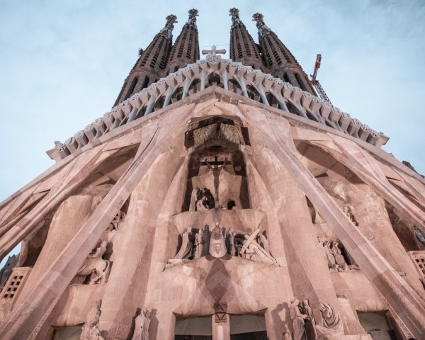 The Passion Facade of Sagrada Familia in Barcelona. See the perfect itinerary for 3 days in Barcelona and all the best Instagram photo spots here.
