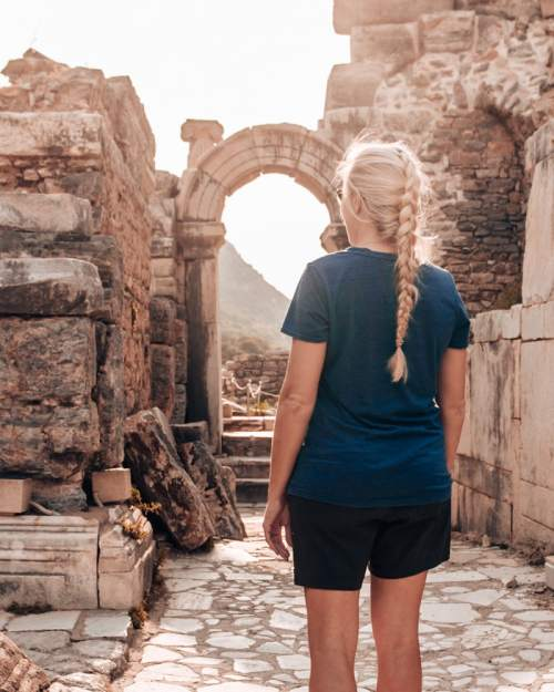 One of the archways near the Odeon Theater in the ruins of Ephesus. Find a full one day itinerary with everything you need to know about visiting the ancient ruins of Ephesus in Turkey here.