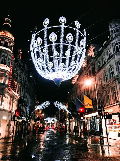 New Bond Street's peacock themed Christmas lights - click here for all the best Christmas lights in London with a free map!