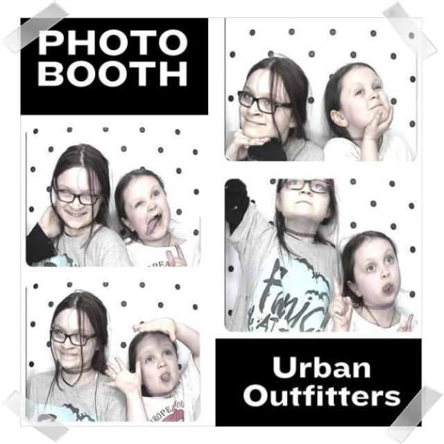 #uophotobooth #livelovesara