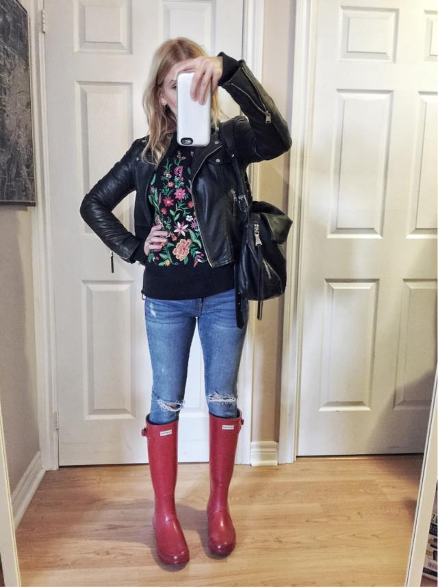 Embroidered Sweatshirt | Leather Jacket | Skinny Jeans | Red Hunter Boots |