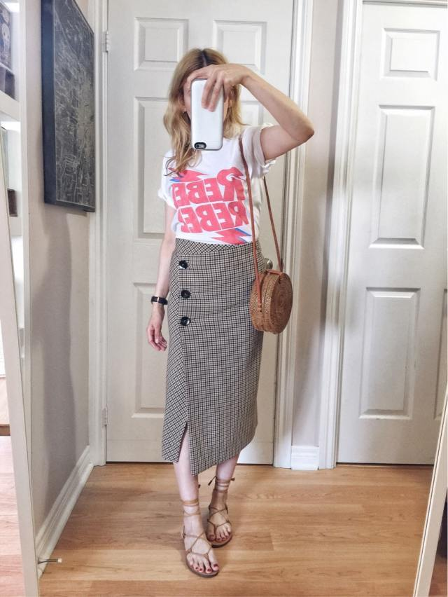 I am wearing a Rebel Rebel Bowie tee, a button skirt, small circle purse, and Madewell sandals