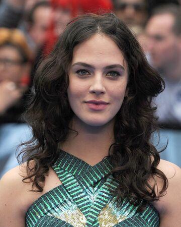 'Downton Abbey' star Jessica Brown Findlay weds actor boyfriend in secret ceremony