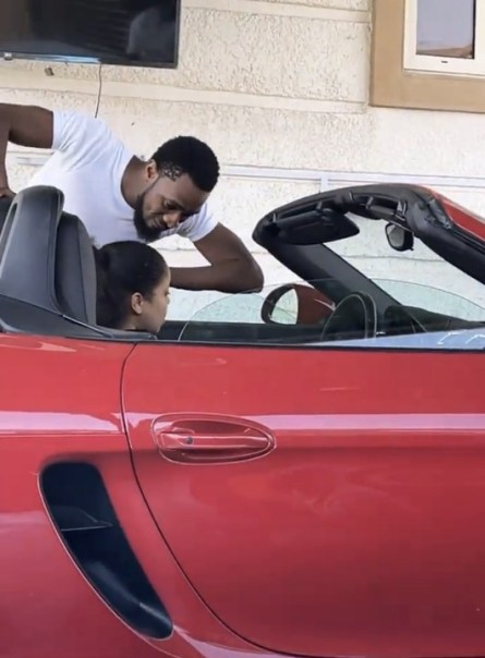 D'banj Spoils His Wife Lineo With Cash And Hermes Bag