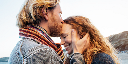 Building an Intimate Relationship Is About So Much More Than S*x, Therapists Say