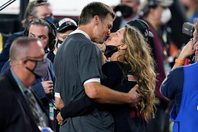 Tom Brady Says Gisele Bündchen 'Brings Out the Best Version of Me': 'I Give Her a Lot of Credit'