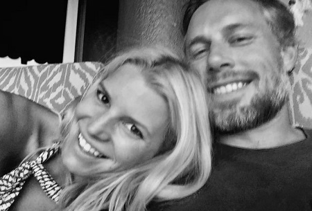 Jessica Simpson's husband Eric Johnson wishes her a happy 7th anniversary: 'Still make me laugh just as hard as day 1'