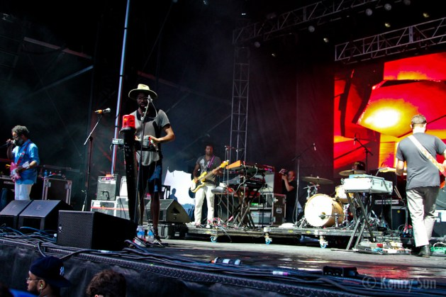 44-TvOnTheRadio