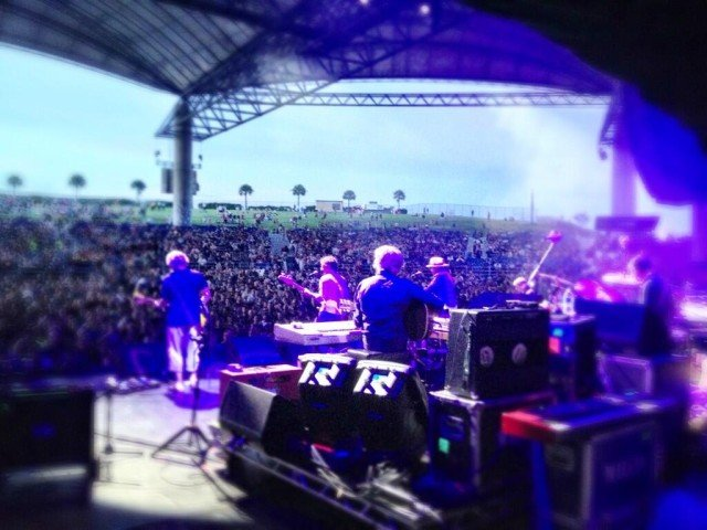 Wilco with Bob Weir | Photo via @Wilco
