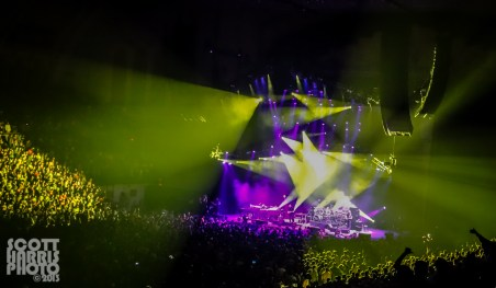 Scott_Harris_Phish_2013.11.01_1024px_05