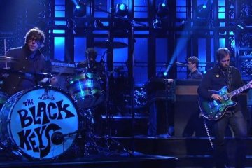 Watch Saturday Night Live  The Black Keys  Bullet in the Brain   Hulu Plus (1)