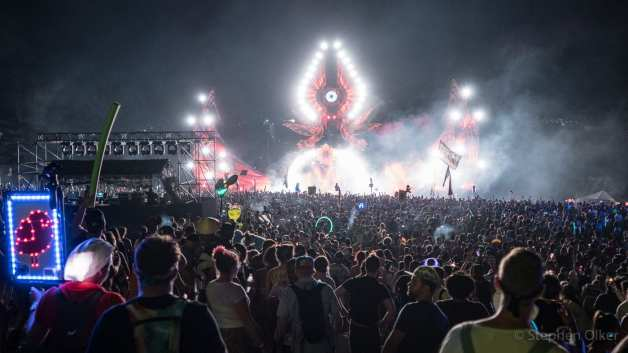Skrillex lighting up the main stage Saturday