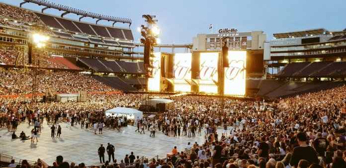 rolling stones come to boston photo by phanart
