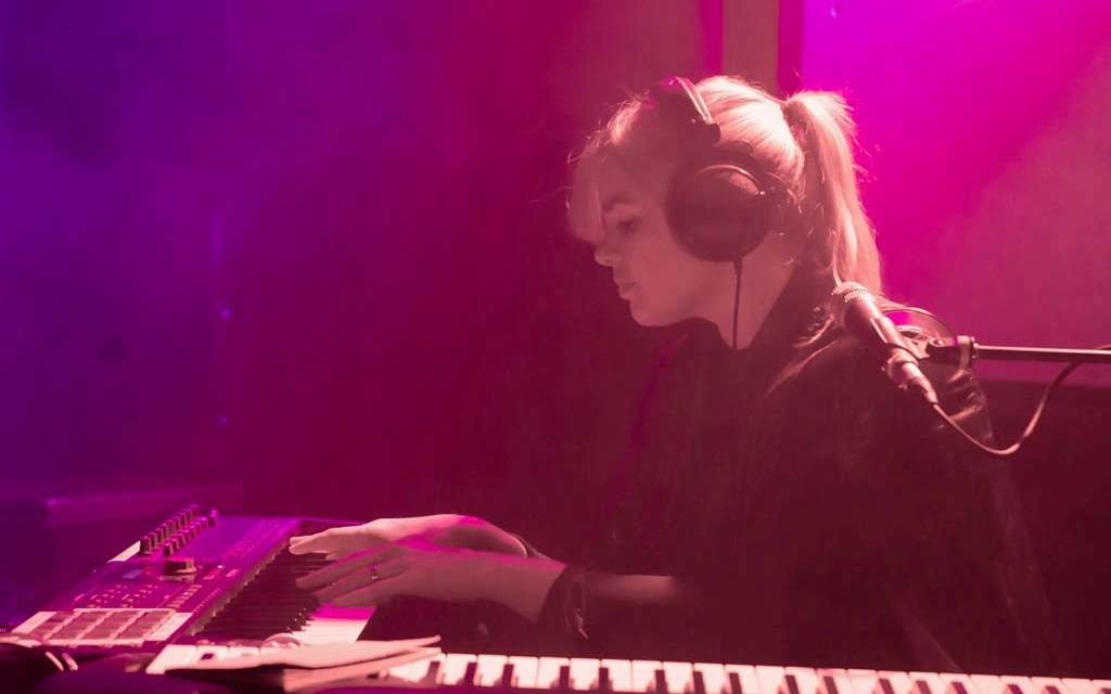 Emika + Grisly Faye @ Hare and Hounds, Birmingham – Review