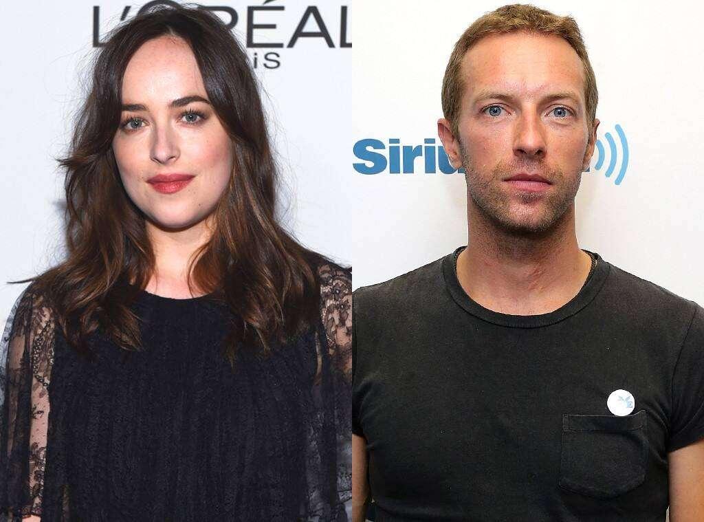 Dakota Johnson recebe declaração de Chris Martin durante show do Coldplay