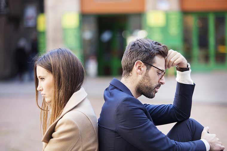 سبب فشل العلاقات - ضعف التواصل