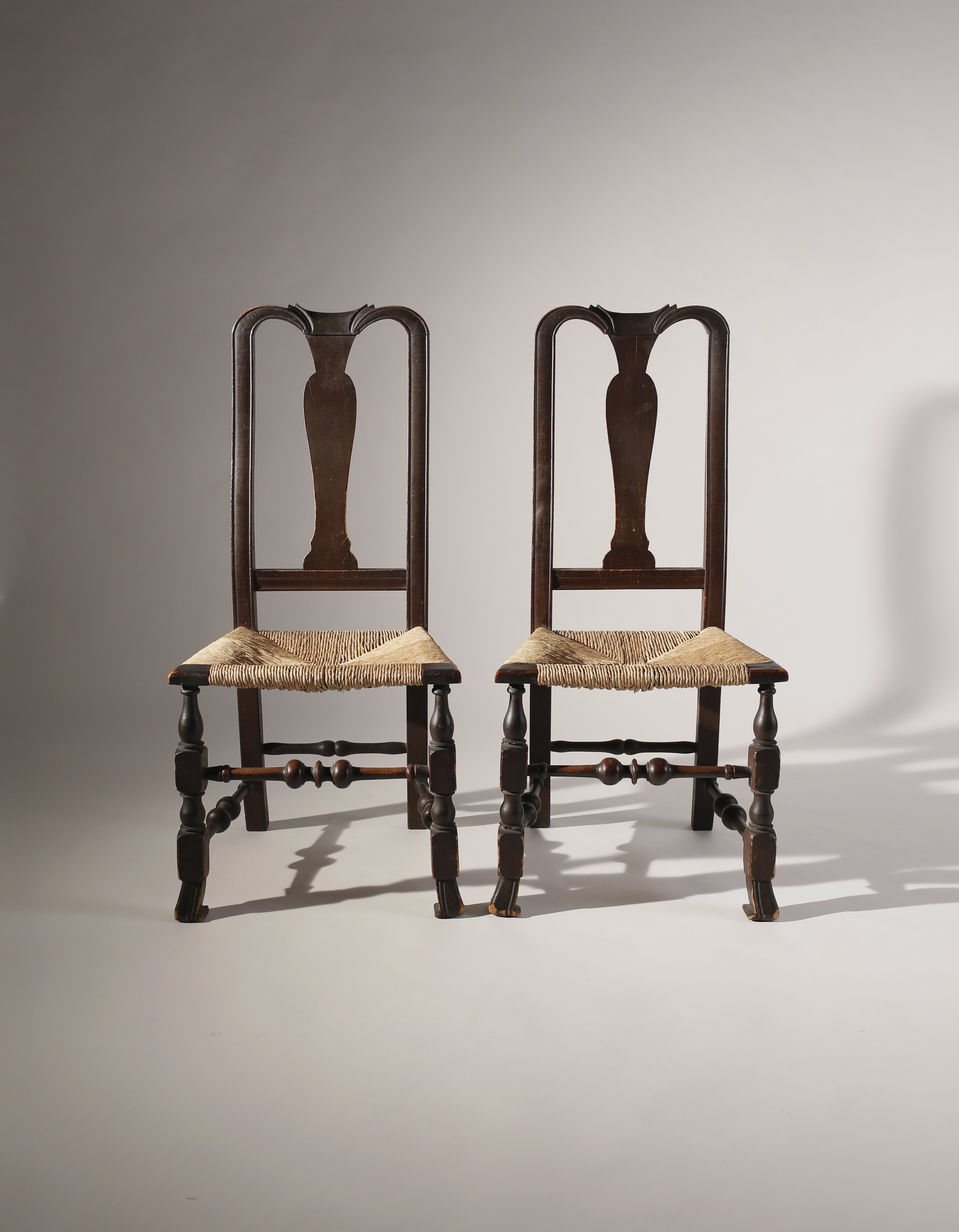 Chair In Spanish Pair Of Queen Anne Vaseback Side Chairs With Spanish Feet