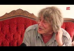 LLTV at the Writing on the Wall Festival 2013: Jamie talks to Howard Marks