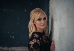 NEWS: Singer-songwriter Philippa Hanna supporting Leona Lewis on UK tour