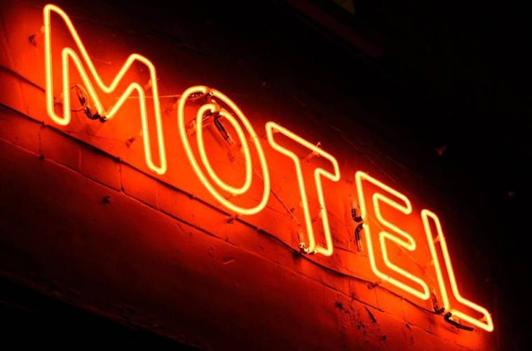 Motel Bar 1