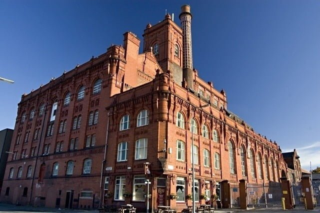 Visit Liverpool's Best Sightseeing Spots with a Tour Bus 6