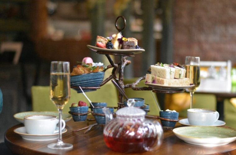 The Brunch Club Afternoon Tea Becomes 'Afternoon Tree' 1