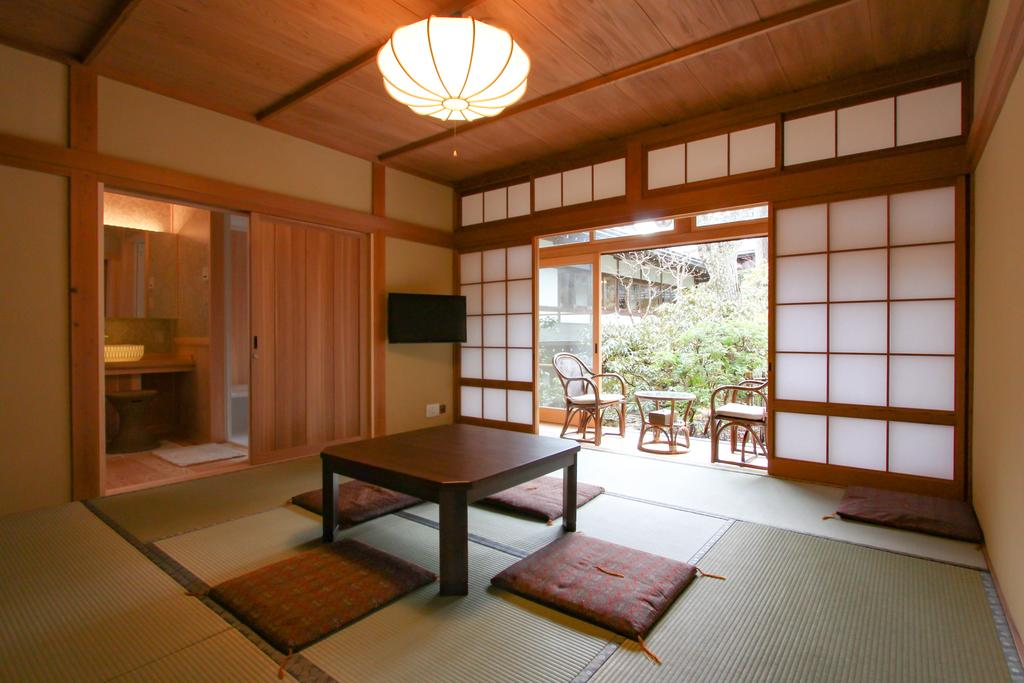 Mt Koyasan temple stay room