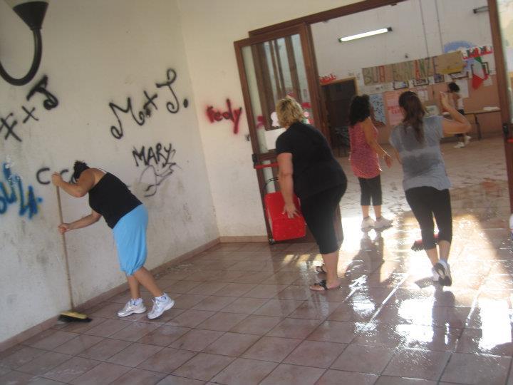Unazienda soccorre una scuola Ma i vandali tornano in