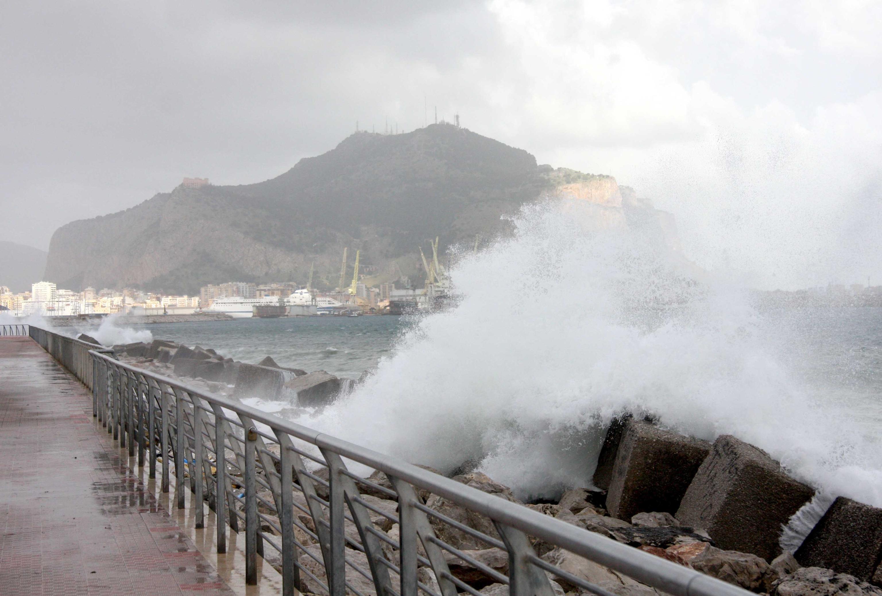 Nuova allerta meteo in Sicilia Temporali e forti raffiche