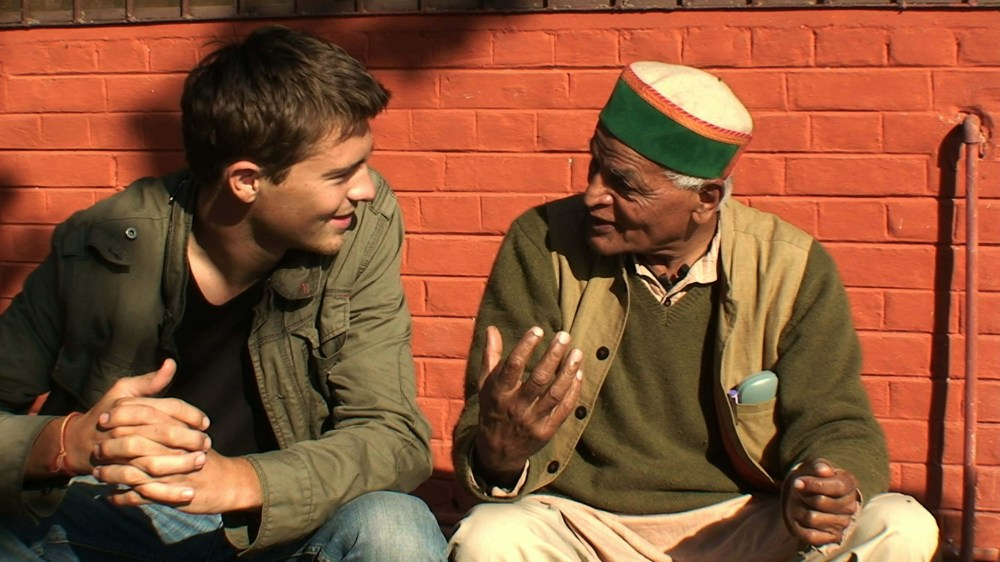 """Marc y Satish in a scene of the documentary """"In quest for a meaning"""" the movie 