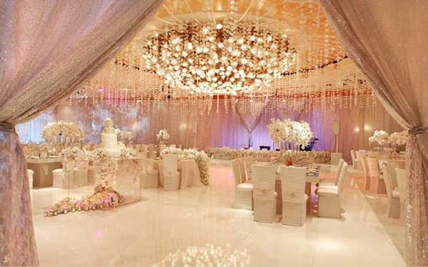Try Cool Wedding Theme Ideas for This Season  Live The Diva in You
