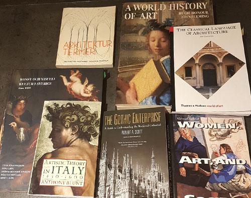 Litteratur som ingår i A-kursen i konsthistoria. Konststudier kräver tunga titlar...